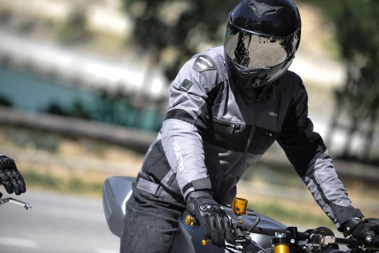 Comment laver son blouson de moto