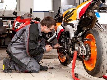 Bons plans pour réparer sa moto moins cher